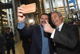 Shrnutí: Nejsilnější v Europarlamentu budou euroskeptici Farage a Salvini, velká…