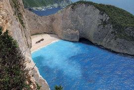 Řecko, země českým turistům zaslíbená: Zakynthoská pláž Navagio aneb Krást se nemá