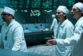 Černobyl odhaluje křehkou linii mezi pravdou a lží. Seriál je to sice historický, ale zároveň velmi aktuální