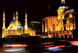 Noční život v Bejrúru pulsuje na náměstích i v úzkých uličkách.