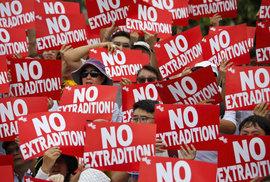 Protesty v Hongkongu proti zákonu o vydávání podezřelých do Číny: Čeká se až půl…