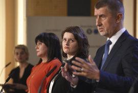 ANO a ČSSD se kočkují kolem rozpočtu a o daních. A z Čechů dělají národ králíků…