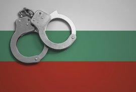 Evropané konvertují k radikálnímu islámu. Bulhaři zatkli studenta elitní školy,…