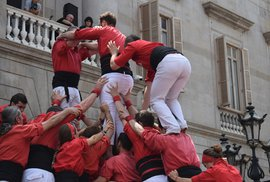 Castells – fenomén lidských věží: Reportáž o úchvatné katalánské tradici, při které…