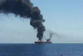 Jeden z poškozených tankerů