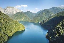 Pohádkové jezero Rica aneb Výprava za modrou perlou Abcházie