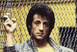 Sylvester Stallone: Hvězda, která překonala životní peklo a nikdy nepřestala rozdávat rány