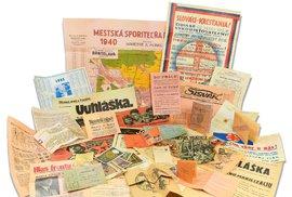 Desítky přiložených artefaktů přinášejí fascinující pohled na temné i světlejší momenty slovenské historie za druhé světové války.