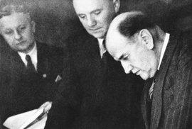 Édouard Daladier podepisuje Mnichovskou dohodu.