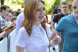 Julianne Mooreová: Sametová revoluce? Vím dobře, o čem je řeč, studovala jsem u vašich …