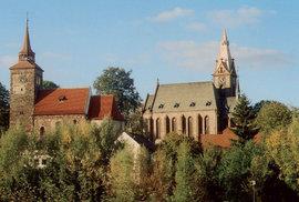 Dva kostely v Plaňanech