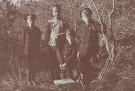 Unikátní fotografie posledního ruského cara Mikuláše II. a jeho rodiny.