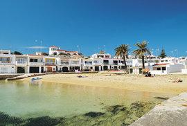 Kromě dvou letních měsíců, kdy letovisko Macaret zaplaví místní turisté, je zde naprostá idyla