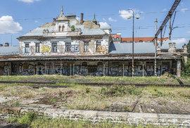 Chátrající nádraží Vyšehrad