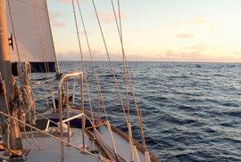 Plavba kolem zeměkoule na české plachetnici Altego: Cesta kolem světa začala v ráji
