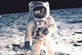 Za konspirační teorii o (ne)přistání na Měsíci si Amerika může sama