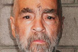 Čtyřiasedmdesátiletý Manson v Kalifornské státní věznici