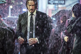 Keanu Reeves: Největší akční hvězda současnosti je osamělý chlápek, který pouští sednout lidi v metru