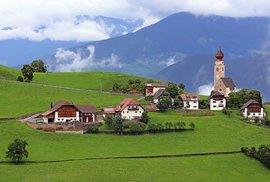 Kamenný trůn: Málo známá historická památka u rakouského městečka Maria Saal sloužila ke slavnostním ceremoniím
