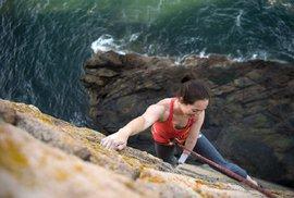 Hendikepovaná horolezkyně Maureen Becková: Na vrcholky hor jen s jednou rukou