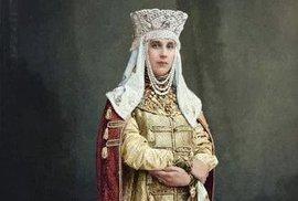 Maškarní bál na dvoře ruského cara v barvě