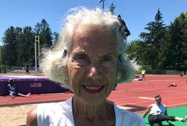 Dianne Hoffmanová při světovém rekordu na 400, 200 i 100 metrů