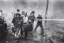 Srpen 1968 a 1969: Fotograf a režisér Josef Ráž vzpomíná na chvíle, kdy šli Češi proti Čechům