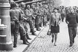 1968. Korzo pod hlavněmi tanků naVáclavském náměstí