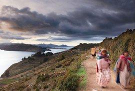 """Do Bolívie k největšímu jihoamerickému jezeru Titicaca: Komu zůstala """"Caca""""?"""