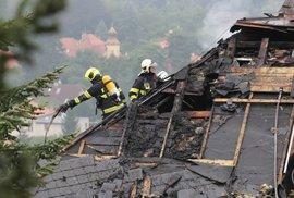 Vila Radovana Krejčíře v noci na 20. srpna 2019 hořela.
