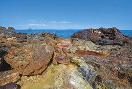 Díky vysokému obsahu železa je krajina na Elbě jako z jiné planety