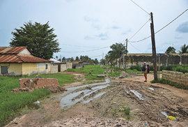 Příjezdová cesta ke konzulátu Guineje-Bissau v Ziguinchoru