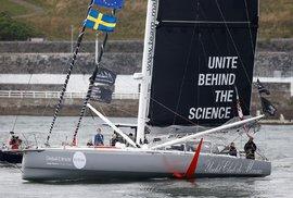 Švédská aktivistka Greta Thunbergová se na setkání OSN v New Yorku rozhodla cestovat přes Atlantik plachetnicí