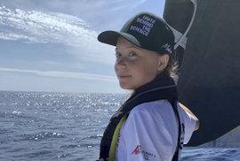 Mladá švédská aktivistka Greta Thunbergová po 14 dnech na moři dosáhla se svou posádkou newyorského Manhattanu (28.8.2019)
