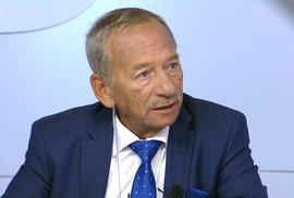 Jaroslav Kubera jako předseda Senátu by v případě prezidentovy rezignace mohl vyhlásit předčasné volby do poslanecké sněmovny