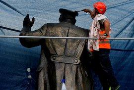 Protestní akce proti zakrytí sochy maršála Ivana Koněva se uskutečnila 2. září 2019 v Praze.