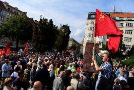 Drzost komoušů opravdu nezná mezí a obskurní sestavička fanklubu sochy maršála Koněva