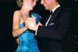 Princ Charles a princezna Diana. Jejich manželství se neobešlo bez skandálů