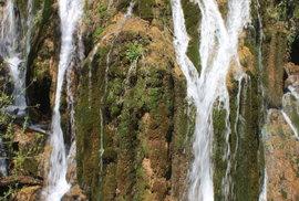 Úchvatný vodopád u silnice do Chorvatska skrývá příběh ztracené dívky