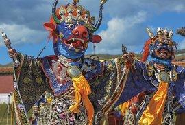 Rituální obřad v širých pláních Mongolska aneb Tanec bohů vklášteře Amarbajasgalant