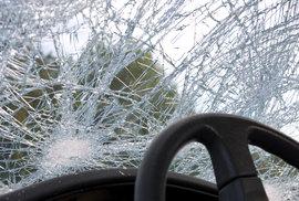 Pátek třináctého na silnicích: Měli by si řidiči dát v obávaný den větší pozor?