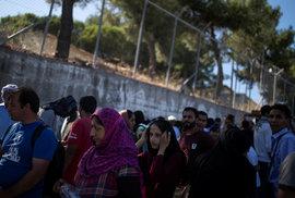 Česko se k solidárnímu přebírání migrantů nepřipojí, řekl Hamáček. Podle něj jde o…