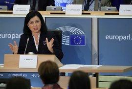 Jourová europoslancům řekla, že hodlá rázně hájit právní stát, který je podle ní jádrem…