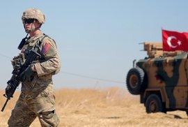Vojáci se chystají na úder v Sýrii.