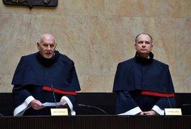 """Rozhodnutí o """"lex Babiš"""" trvalo dlouhé tři roky. Ústavní soud by měl zařadit vyšší rychlost"""
