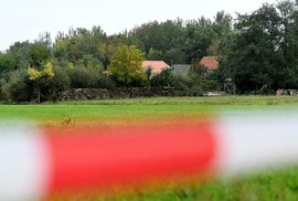 Devět let ve sklepě: Skupina zbídačených lidí přežívala v nizozemském podzemí,…