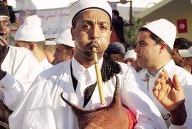 """Oáza Dúz se postupem doby stala symbolem saharské kultury a začalo se jí přezdívat """"Brána do Sahary"""". Ve městě žije nomádský kmen Marázígů, jehož kultura se stala inspirací pro celý folklorní festival."""