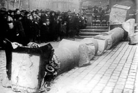 Zrod Československa: Němce srovnala armáda, majitelé přišli o půdu a Karlův most málem…