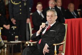 Zeman otáčí a předchozí podporu mění v kritiku. Vlasovci sice Praze pomohli, předtím se ale dopustili zrady, říká