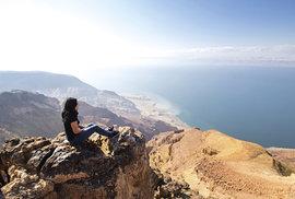 Výhled na Mrtvé moře v Jordánsku
